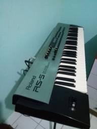 Teclado Roland RS5 sintetizador