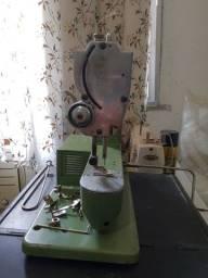 Título do anúncio: Máquina de costura Elna antiga