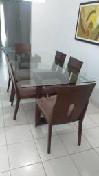 Mesa com tampo de vidro 6 cadeiras