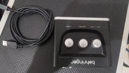 Interface Placa De Áudio Behringer U-phoria Um2