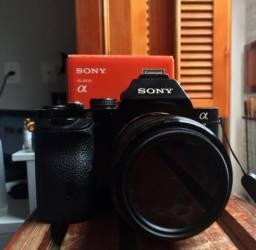 Sony alpha a7 com alguns aranhões no externo + lente sony FE 2/28mm f2