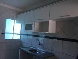Alugo casa em Privê, no bairro de Pau Amarelo, próximo à Av. Costa Azul