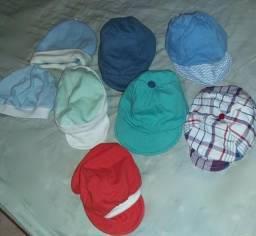 Roupas e chapéus