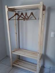 Arara Closet de madeira