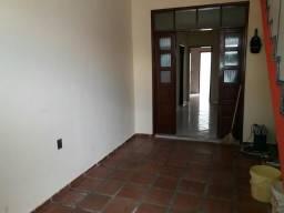 Alugo casa 3/4 c/ garagem