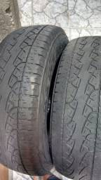 Vendo 2 pneus Pirelli Scorpion 225/65/17 muito bons
