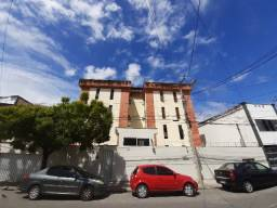 Aldeota/Centro - Apartamento térreo 62,50m² com 2 quartos e 1 vaga
