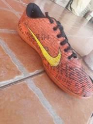 Chuteira de futsal da Nike