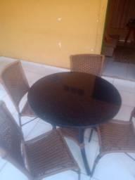 Título do anúncio: Mesa com 4 cadeiras de fibra