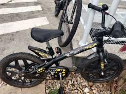 Bicicleta aro 16 Batman bandeirante até 6 anos
