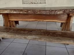Mesa De Madeira Com 2 Bancos