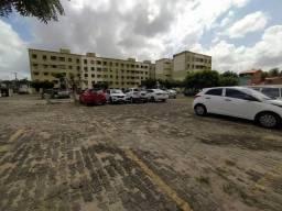 Aluga-se Apartamento Próximo ao Colégio Chistus da Av. Humberto Monte