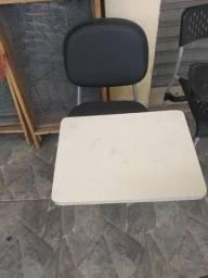 Duas Cadeira pra manicure,