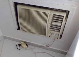 Vendo ar condicionado 12mil btus gelando