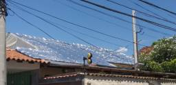 Aplicação de manta asfáltica aluminizada.