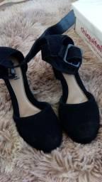 Sandália salto alto chiquiteira