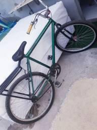 Bicicleta em ótimo estado, por apenas 299,00 pronta para usar.