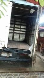 Título do anúncio: Caminhão furgao