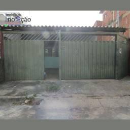 Vende-se Casa de 2 Quartos - Samambaia Sul