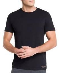 6 camisas Calvin Klein por 610 reais