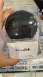 Esponja elétrica fornece a limpeza facial