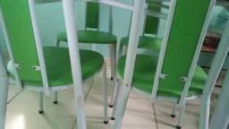 Mesa de Marmore com 4 cadeiras