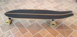 Longboard todo personalizado. Não foi comprado montado. Foi montado peça por peça...