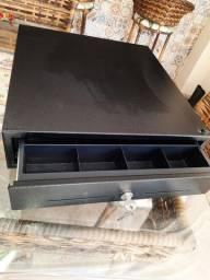 Vendo caixa super conservado praticamente novo