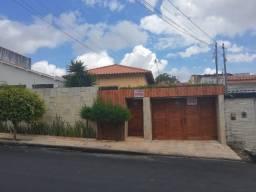 Excelente casa no São José com 3 quartos sendo 1 suíte em ótima localização