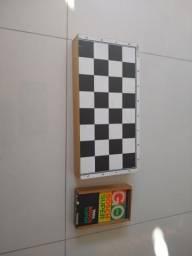 Jogo tabuleiro xadrez gamão e domino
