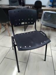 Cadeira fixa 04 pés preta novas escritório Revenda