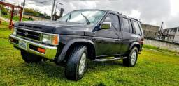 Nissan Jeep Pathfinder 4x4 Turbo Diesel - 1993