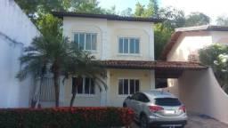 Alugo casa duplex em condomínio fechado na Cohama com 4/4