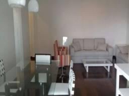 No Rio Vermelho apartamento para temporada com 3 quartos sendo 1 suíte, em ótima localizaç