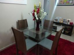 Mesa de vidro com madeira de 4 cadeiras