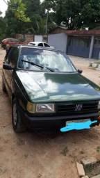 Vende-se carro Fiat uno ano 1995 básico 4 portas - 1995