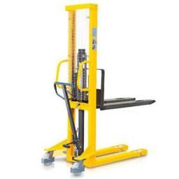Empilhadeira manual 1.000kg 1,6mts elevação