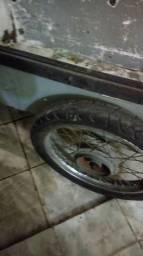 Caro degeladeira em otimoestado roda de moto