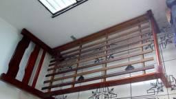 Cama solteiro de madeira maciça