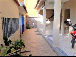 Vendo duas Casas Individuais com quintal área de churrasco completa! 500 metros da praia!