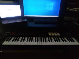 Teclado MIDI - M-Audio Oxygen 61 - com as licensas inclusas!