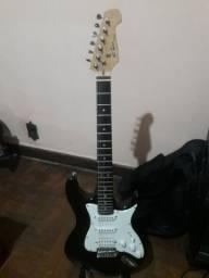Guitarra By Behringer EL Toro modelo strato.  R$ 400,00