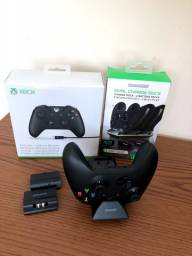 Controle Xbox One + baterias + base