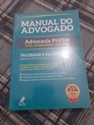 Livros de direito.