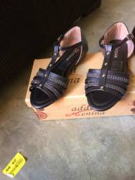 vende- se sandalias pra meninas