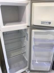 Refrigerador/Geladeira Electrolux DC35A
