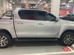 Toyota Hilux SRX top de linha apenas 28 mil kms rodados