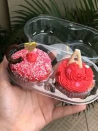 Cupcakes dia dos namorados com iniciais