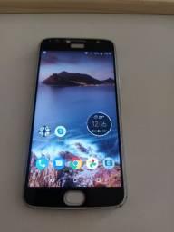 Motorola G5 S Plus com trincado na tela