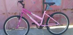 Uma bicicleta aro 26 toda filé sem defeito